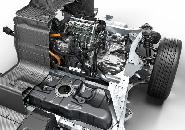 BMW i8 combustion engine
