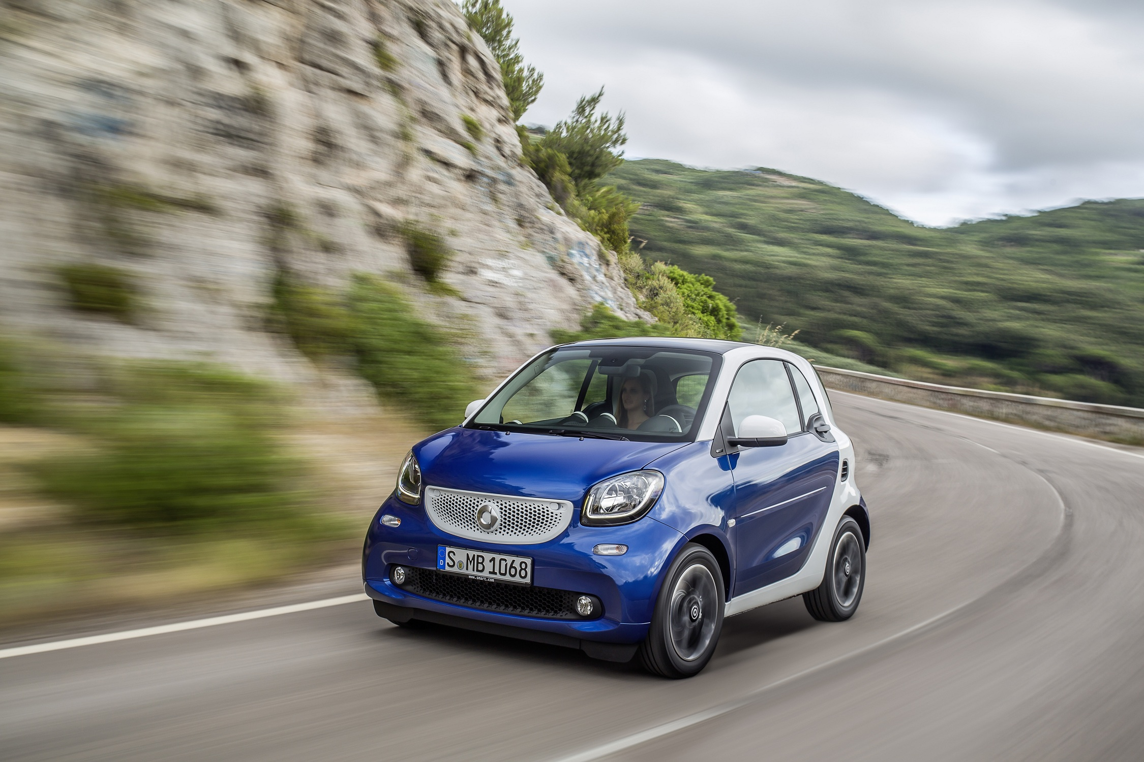 The new Smart ForTwo 2014 with dual clutch transmission