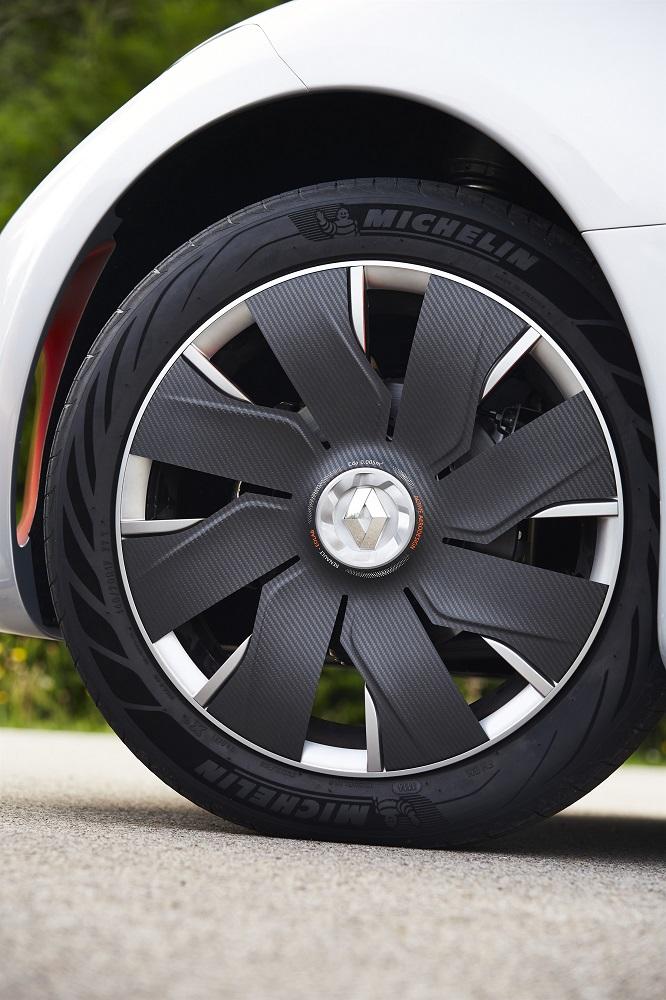 Aerodynamics active wheel caps opened