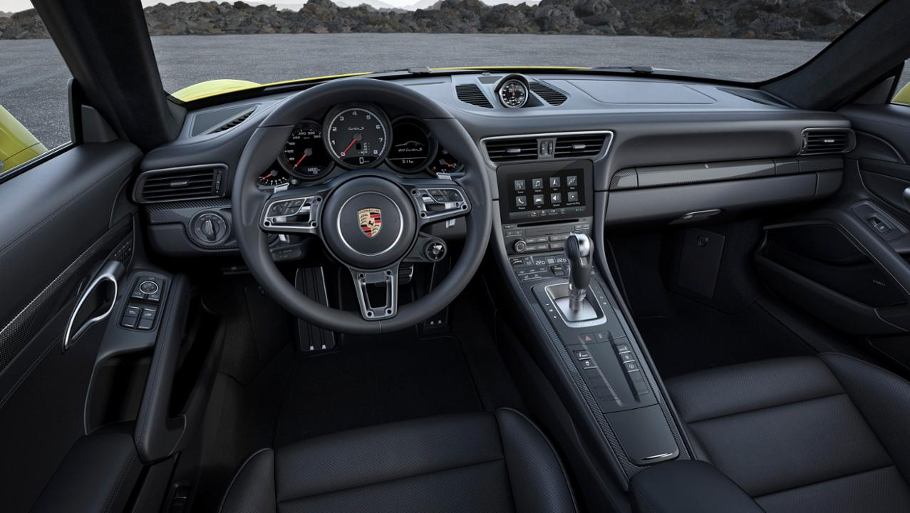 911 Turbo S interior