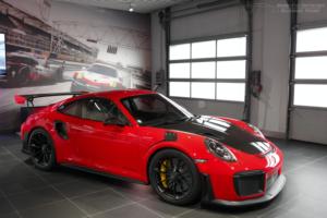 porsche-911-gt2-RS-vs-gt3-RS-comparison-review-7